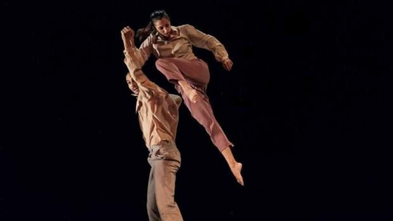 perfiles bailarines condón en Almería