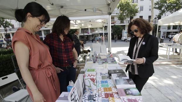 El espacio dedicado a las editoriales independientes en la Feria del Libro de Sevilla