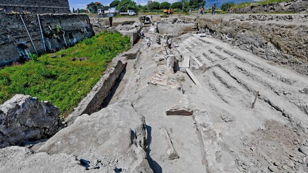Las nuevas excavaciones en Pompeya han dejado al descubierto tres edificios con grandes balcones