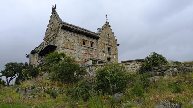 El palacio del canto del pico de refugio de franco a abandonado tesoro de nuestro patrimonio - Casa de franco torrelodones ...