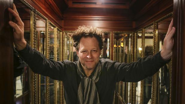 El director artístico de la ROSS, John Axelrod