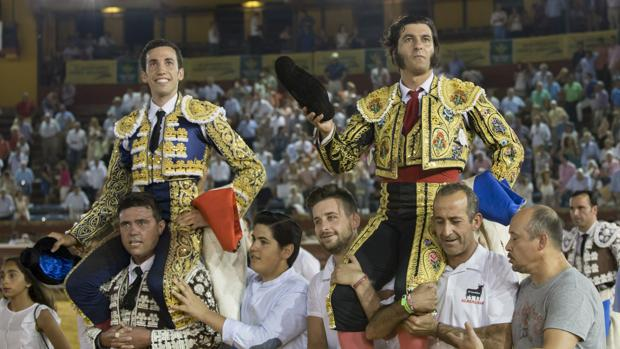 David de Miranda y Morante de La Puebla han salido a hombros en Huelva