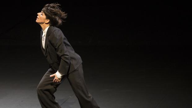 Desde hace años, Leonor Leal luce pelo corto y rara vez viste con traje de flamenca