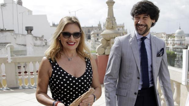Ainhoa Arteta y Manuel Lombo durante la presentación del concierto