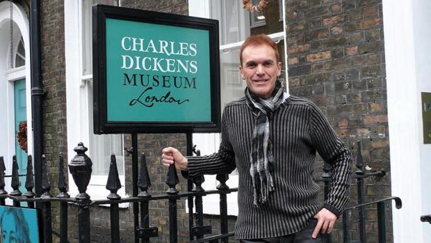 Mariano Fernández Urresti, en la casa-museo de Charles Dickens en Londres