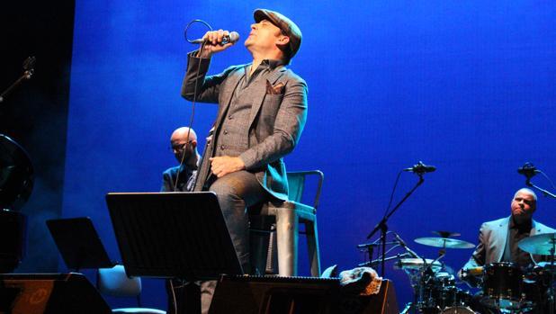 Zenet presentó anoche en Sevilla su nuevo disco «La Guapería»