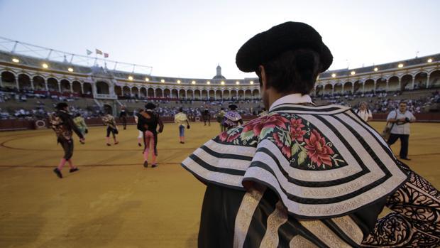 Diez de los 18 novilleros que harán el paseíllo, debutarán en la Maestranza