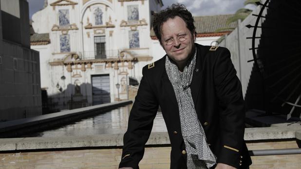 El director John Axelrod en una imagen reciente