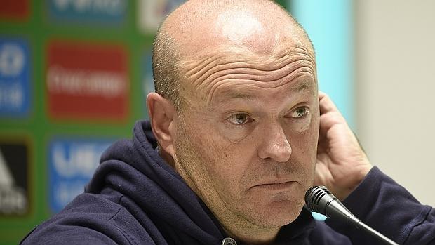 Pepe mel destituido como entrenador del real betis for Oficinas bbva jaen