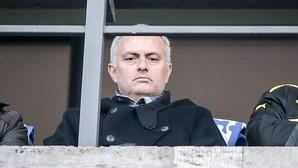 Mourinho, viendo el Hertha-Borussia de este pasado sábado 6 de febrero