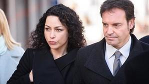 Carneiro acudió al Tribunal acompañada por su marido