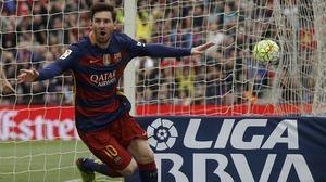 Un Barça sin luz cumple ante un Español inexistente