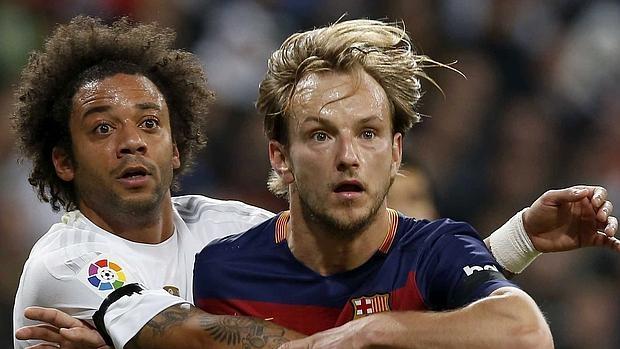 El centrocampista del Barcelona en un encuentro contra el Madrid