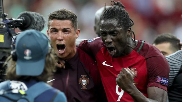 Éder, junto a Cristiano Ronaldo, tars conquistar la Eurocopa