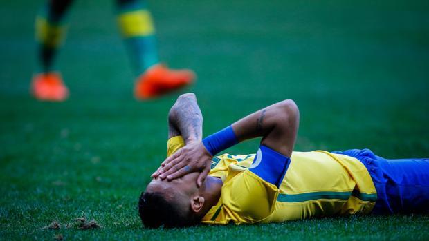 La Brasil de Neymar decepciona
