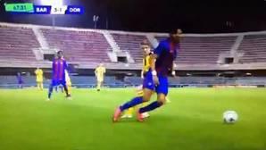 El golazo viral del juvenil del Barça