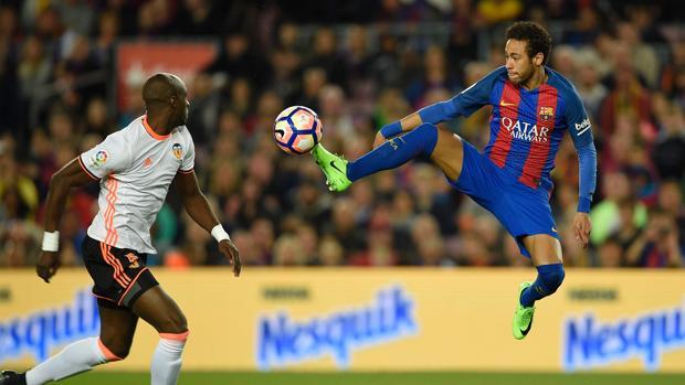 Barcelona-Valencia:  El Barça sufre ante un Valencia irredento