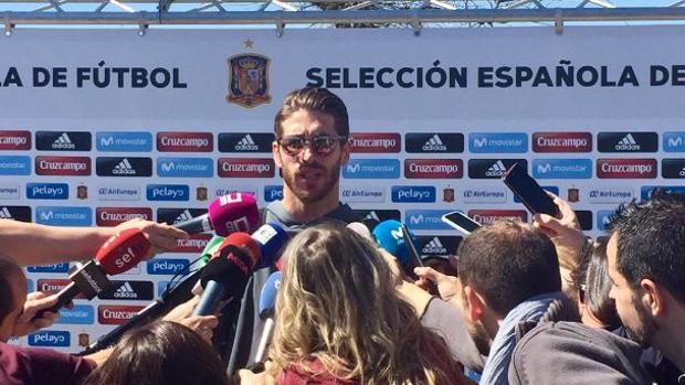 Sergio Ramos: «A Piqué y a mí nos gusta tirarnos alguna piedrecita»