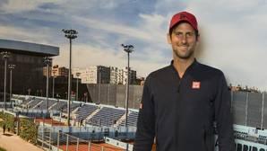 Novak Djokovic posa para ABC después de la entrevista