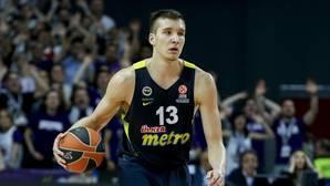 Bogdan Bogdanovic, durante un partido con el Fenerbahçe