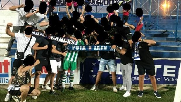 La foto de la polémica tras el Linares-Atarfe