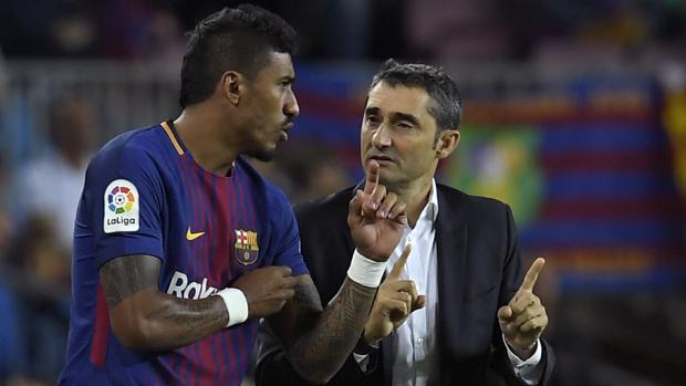 Paulinho recibe las instrucciones de Ernesto Vaverde