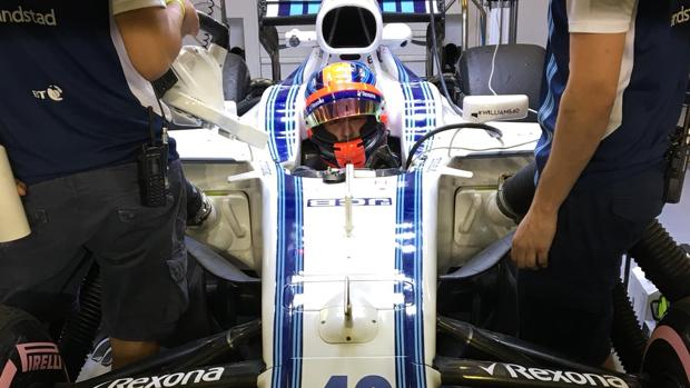 Robert Kubica, al volante del Williams FW40