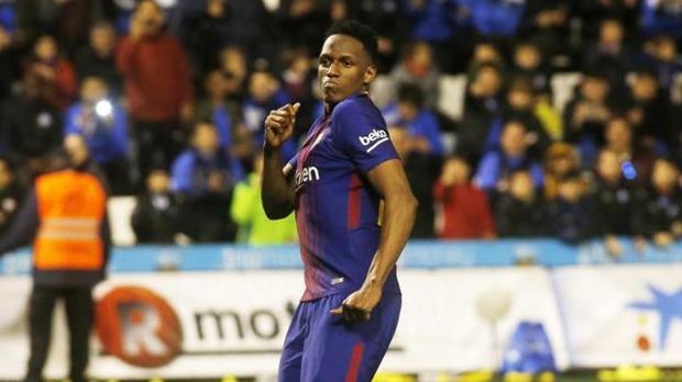 Yerry Mina celebra su penalti contra el Español