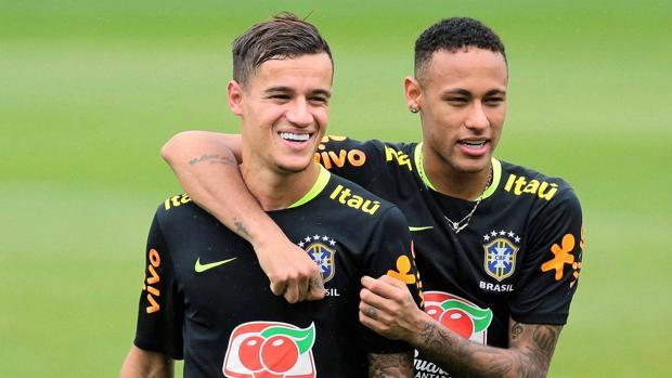 Neymar y Coutinho con la selección de Brasil