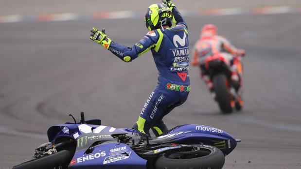 Rossi le recrimina a Márquez su maniobra tras su caída