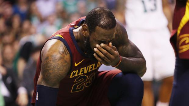 LeBron James durante el partido contra los Celtics