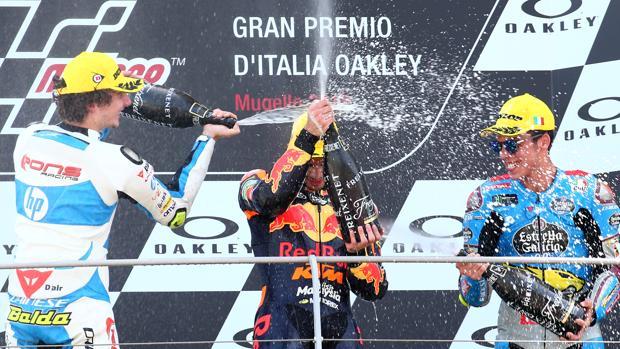 Los tres primeros celebran su podio en el GP de Italia