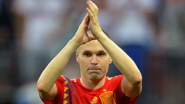 Iniesta se despidió triste de la selección española