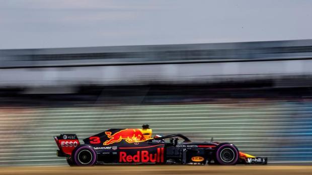 El australiano Daniel Ricciardo durnte los primeros libres de la jornada