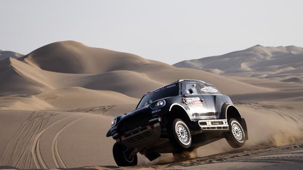 El vehículo de Nani Roma, durante el último Dakar