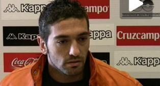 Betis: Arzu atiende a los medios en la sala de prensa