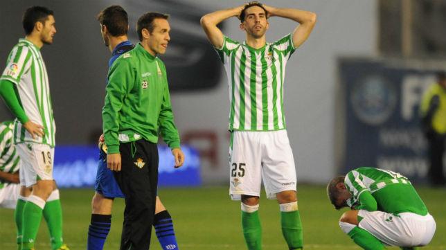 Los jugadores, desolados tras perder ante el Almería