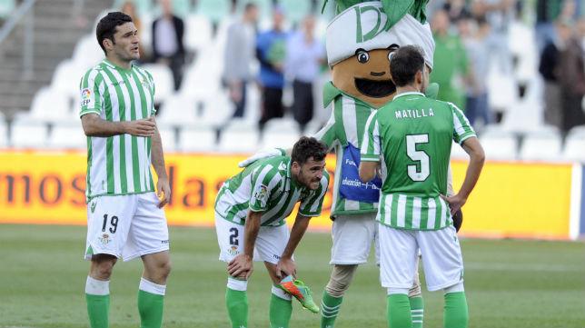 Molina, Chica y Matilla tras el partido contra el Atlético de Madrid.