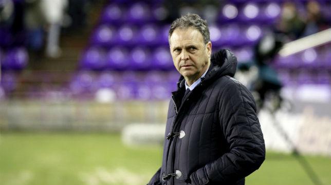 Joaquín Caparrós, durante un partido del Levante