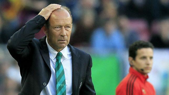 Calderón se lamenta durante el partido con el Barcelona