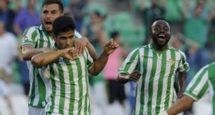 Juanfran celebra el gol marcado al Valladolid