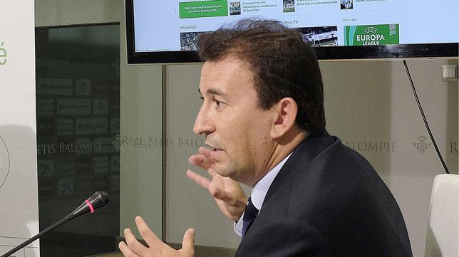 José Miguel López Catalán, durante la presentación de la web oficial del Betis