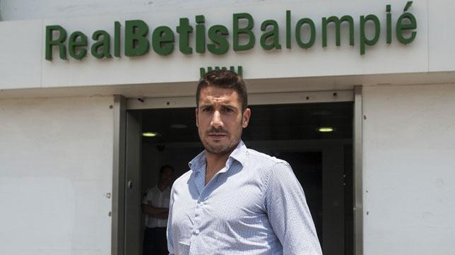 El dineral que le costará al Real Betis despedir a Velázquez