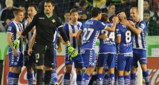 Adán, tras encajar un gol del Alavés en el Benito Villamarín