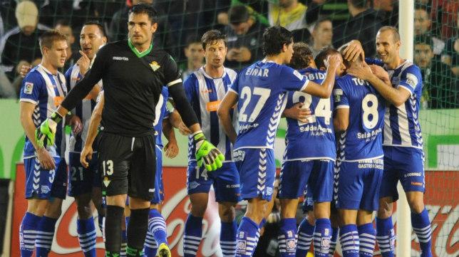 Adan Tras Encajar Un Gol Del Alaves En El Benito Villamarin