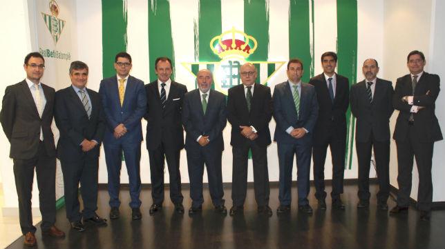 Imagen del nuevo consejo de administración del Betis (FOTO: RBB)