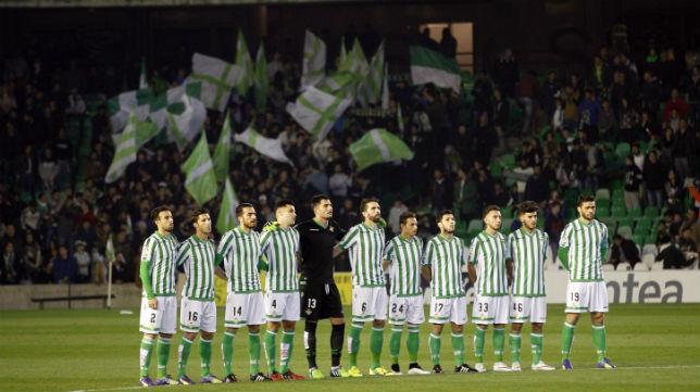 Grupo en el Betis-Tenerife (Foto: Raúl Doblado)