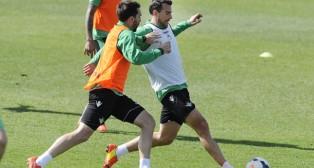 Jordi Figueras y Amaya, durante un entrenamiento del Betis (Foto: J. J. Úbeda)