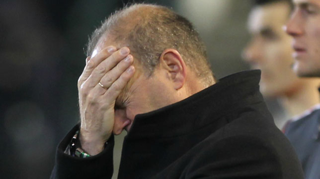 Mel se lamenta durante un partido del Betis (Foto: Raúl Doblado)