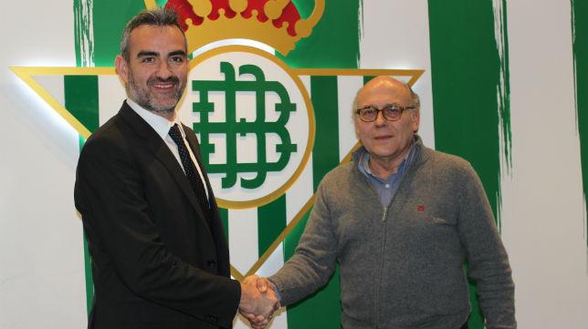 Eduardo Macià, junto a Juan Carlos Ollero, el día de su contratación